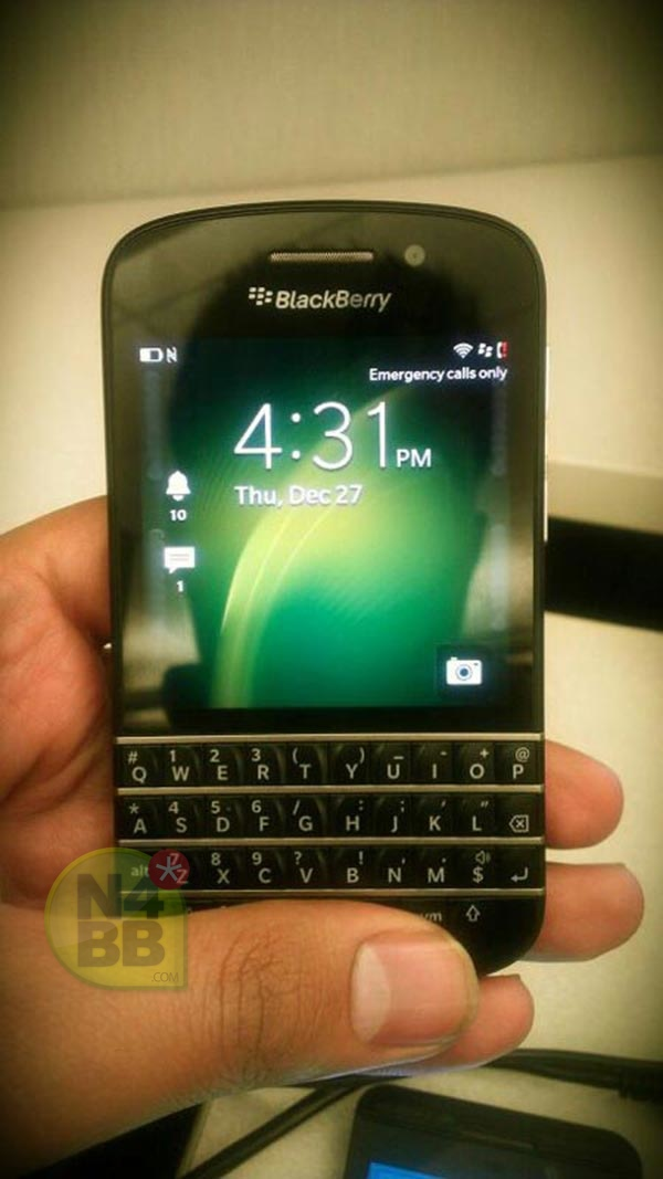 BlackBerry X10 – featuring a physical QWERTY