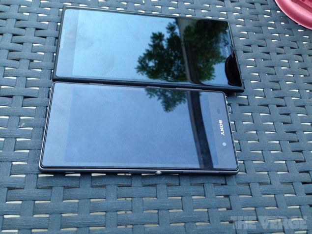 Lumia 1520 phablet shows off once again, this time next to Xperia Z1