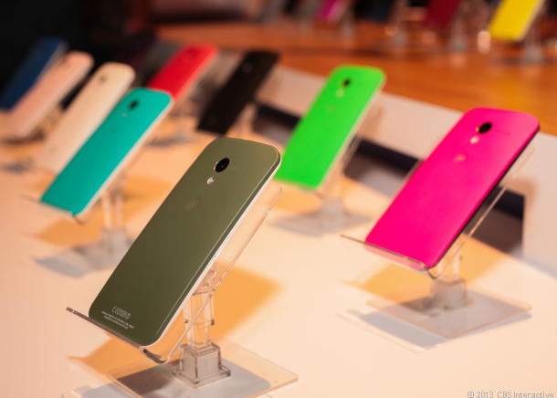 Motorola Moto X devices in a shop