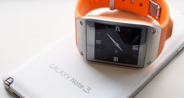 Irresistible deal from Phones 4U includes free Galaxy Gear