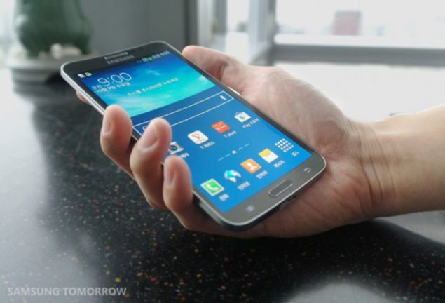 Sources close to Samsung revealed the possibility for a smartphone with wraparound display coming up next year